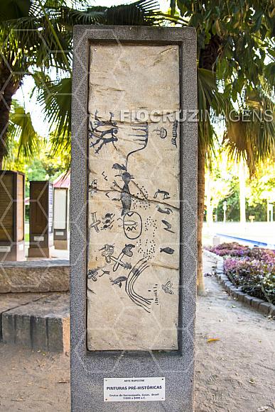 Jardim dos códigos: arte rupestre.
