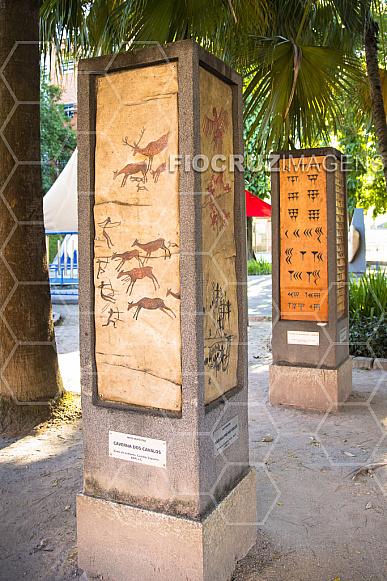 Jardim dos Códigos: arte rupestre — A caçada.