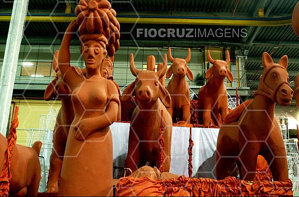 Barracão de escola de samba